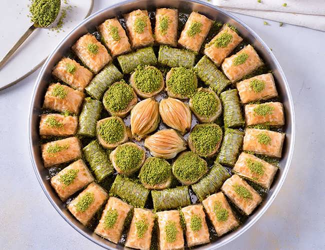 Baklava Special With Pistachio On The Tray фото