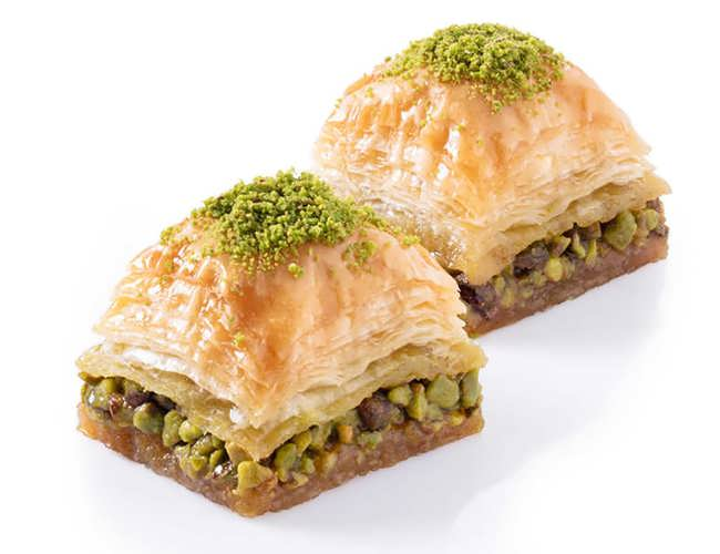 Square Baklava with Pistachio фото