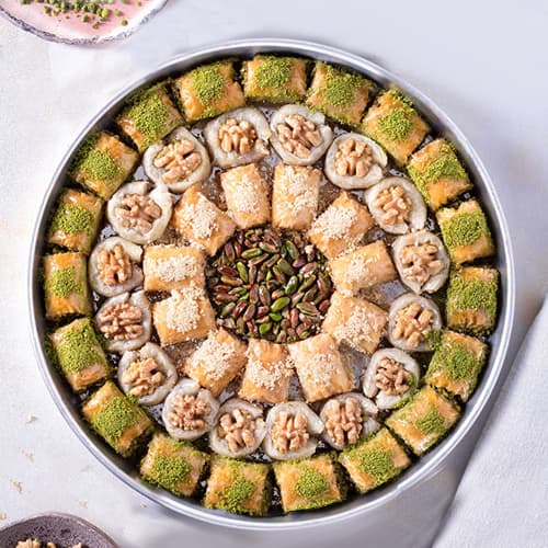 Antep-special-assorted-baklava-tray-2