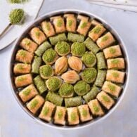 Baklava-Special-With-Pistache-On-The-Tray-2