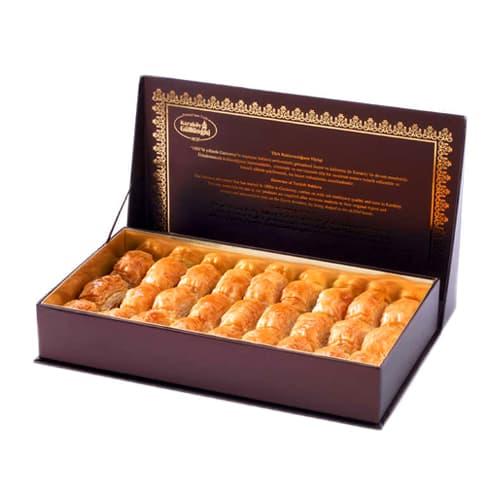 Baklava met pistache in speciale doos 1 KG doos
