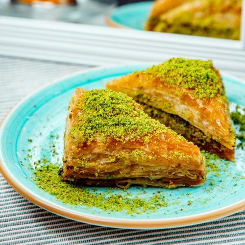 Hafiz mustafa baklava-sobiyet-with-pistachio