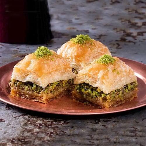 Hafiz-mustafa-square-baklava-with-pistachio