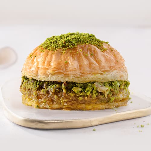 Karakoy-gulluoglu-baklava-burger-2