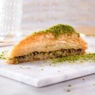 Karakoy-gulluoglu-palads-baklava-med-pistacien-2