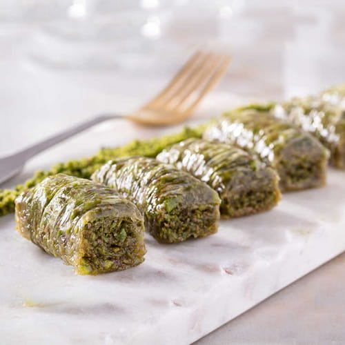 Karakoy-gulluoglu-wrap-with-pistacchio-baklava-2
