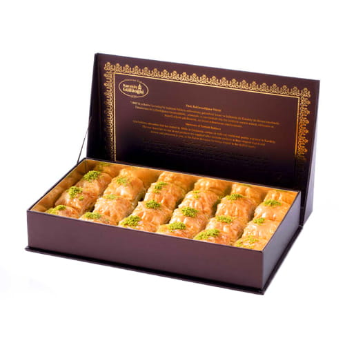 Square Baklava with Pistachio in Special 1 KG Box