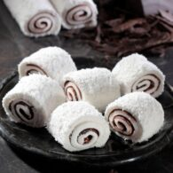 코코넛과 초콜릿을 곁들인 익발 술탄 터키 식 기쁨 min 2