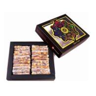 Finger tyrkisk glæde med mastik og pistache i lille kasse
