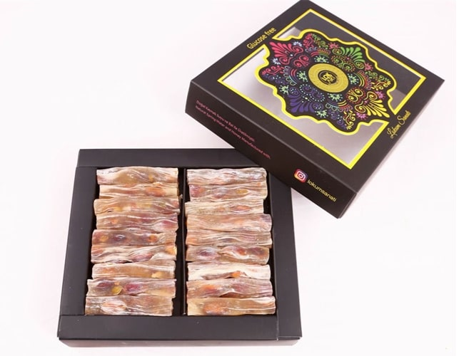 Finger Turkish Delight with Honey and Pistachio in Small Box фото