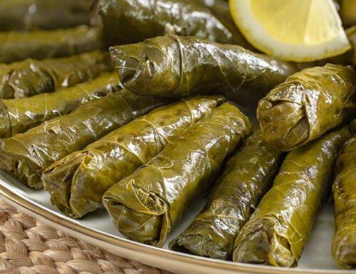 Pembungkus daun dengan minyak zaitun