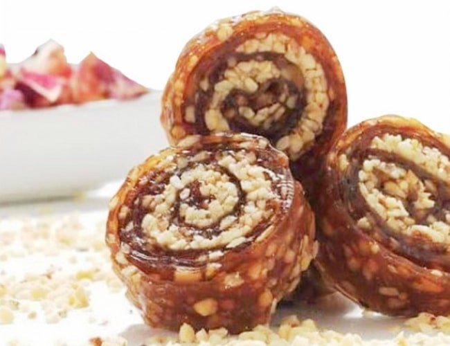 Turkish Natural Pestil with Honey and Hazelnut Dried Fruit Pulp фото