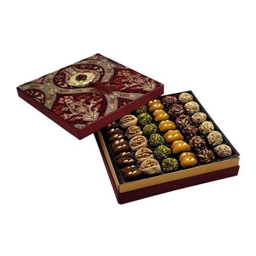 Mixed-dried-fruit-in-red-velvet-box-31. 39oz-890g