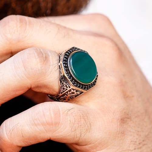 Custom-design-silver-ring-with-yesil-agate-stone