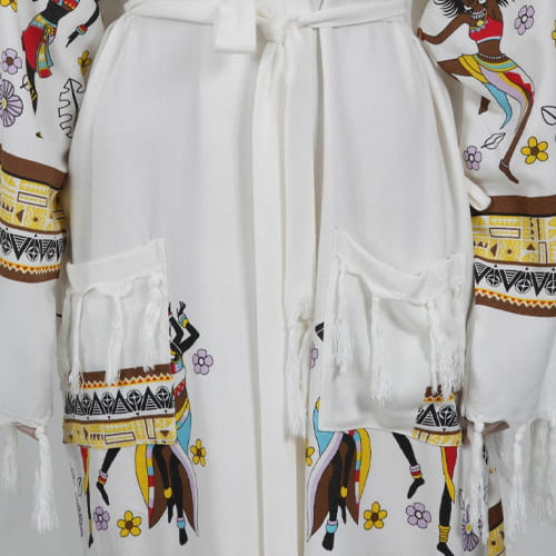 African-woman-in-loincloth-bathrobe-with-bamboo-printed-hoodie2